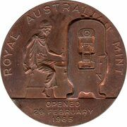 Medal - Conversion to Decimal Currency – obverse