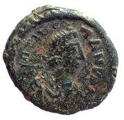 5 Nummi - Tiberius II Constantine (Constantinopolis) – obverse