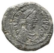 5 Nummi - Justinian I (Constantinopolis; Type ♰, Large Module) – obverse