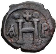 8 Nummi - Justinian I (Thessalonica; Type • ☩ •) – reverse