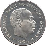 10 Francs CFA (Félix Houphouët-Boigny) – obverse