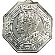 Medal - King George V and Queen Mary (Silver Jubilee) – obverse