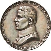 Medal - Flying ace Oswald Bölcke – obverse
