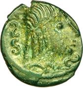Bronze au cheval et à la tête aux cheveux calamistrés (Ambiani) – obverse