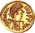 1 Tremissis - In the name of Maurice Tiberius, 582-602 (Victory with crude face and helmet-hair; band curved down) – obverse