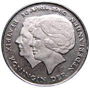 1 Gulden - Beatrix (Investiture of New Queen) -  obverse