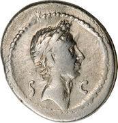 Denarius - Julius Caesar (S•C / TI•SEMPRONIVS GRACCVS Q•DESIG) -  obverse