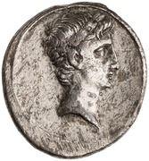Denarius - Octavian (IMP CAESAR; Apollo) -  obverse