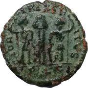 Nummus - Constantinus I (GLORIA EXERCITVS; Lugdunum) – reverse