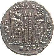 Follis - Constantinus II (GLORIA EXERCITVS; Two standards; Lugdunum) – reverse