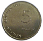 5 Tolarjev (Defeat of Fascism) – obverse