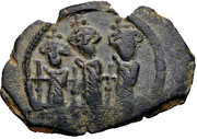 Follis / Fals - Anonymous - three standing figures type (Arab-Byzantine) – obverse
