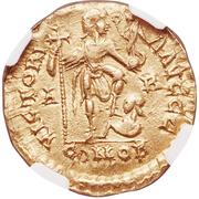 Solidus - Avitus (VICTORIA AVGGG; Arelate) -  obverse